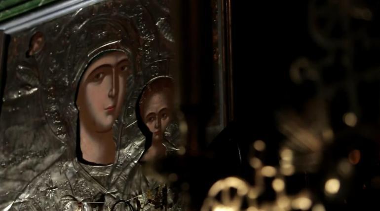 icone de la vierge et l'enfant dans le monastère de krka