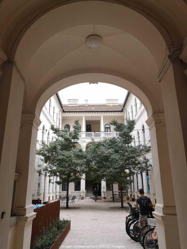 cour intérieure à Óbuda