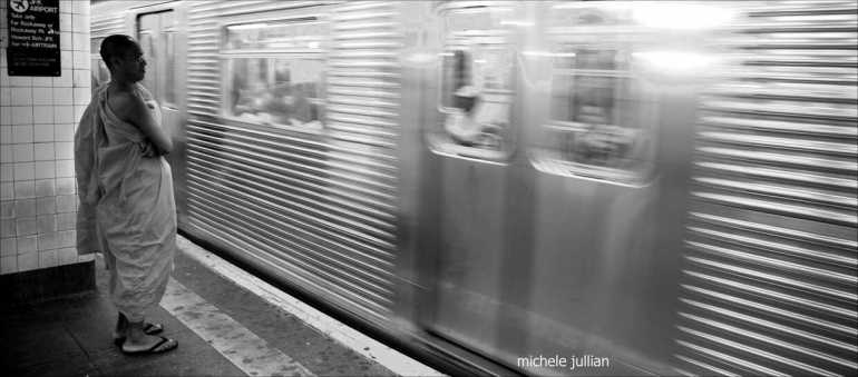attendre le métro à New york
