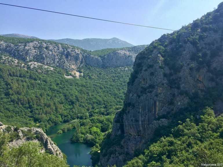 tyrolienne à travers le canyon de cetina à omis (1)
