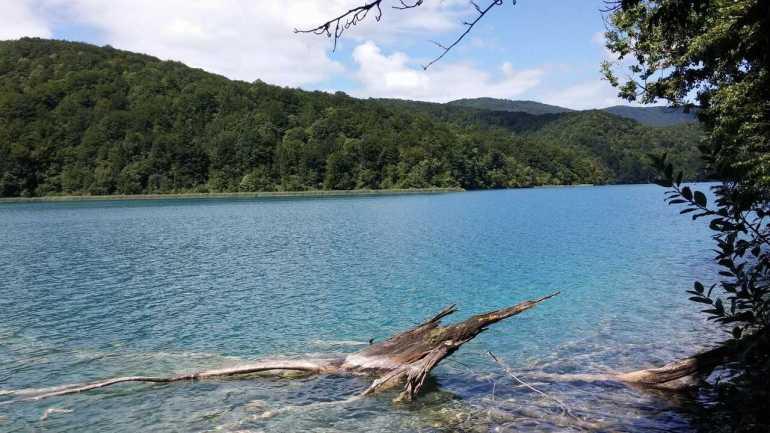 grand lac Kozjak plus grand lac de Plitvice