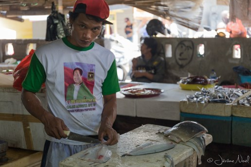 Jimbaran Fish Market - découpe de poisson