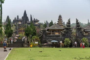 Besakih - à l'entrée du temple
