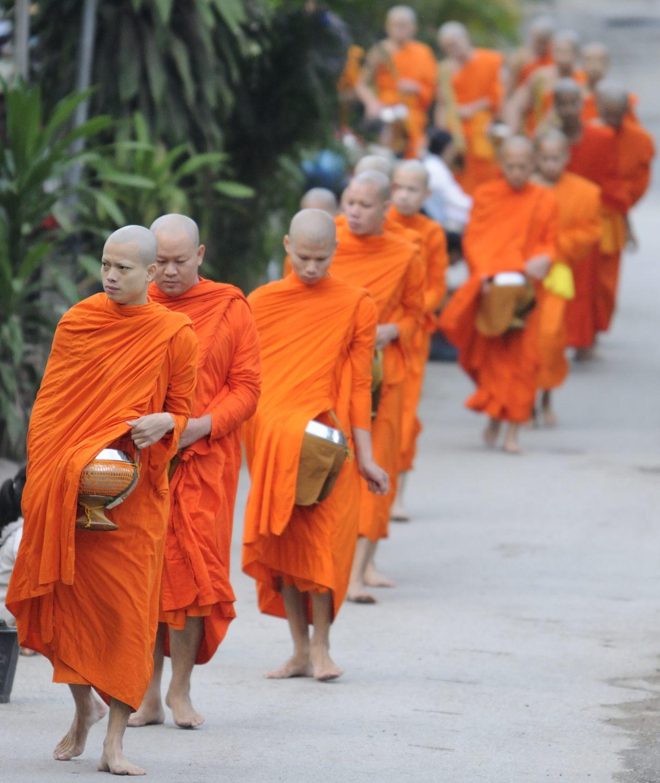 Quête matinale des moines (Tak Bat), Luang Prabang, Laos