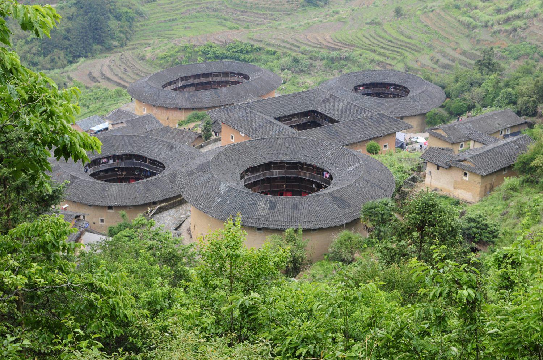 Les Tu Lou de Tianluokeng, Tián Luó Kēng Tǔ Lóu 田螺坑土楼, Fujian, Chine