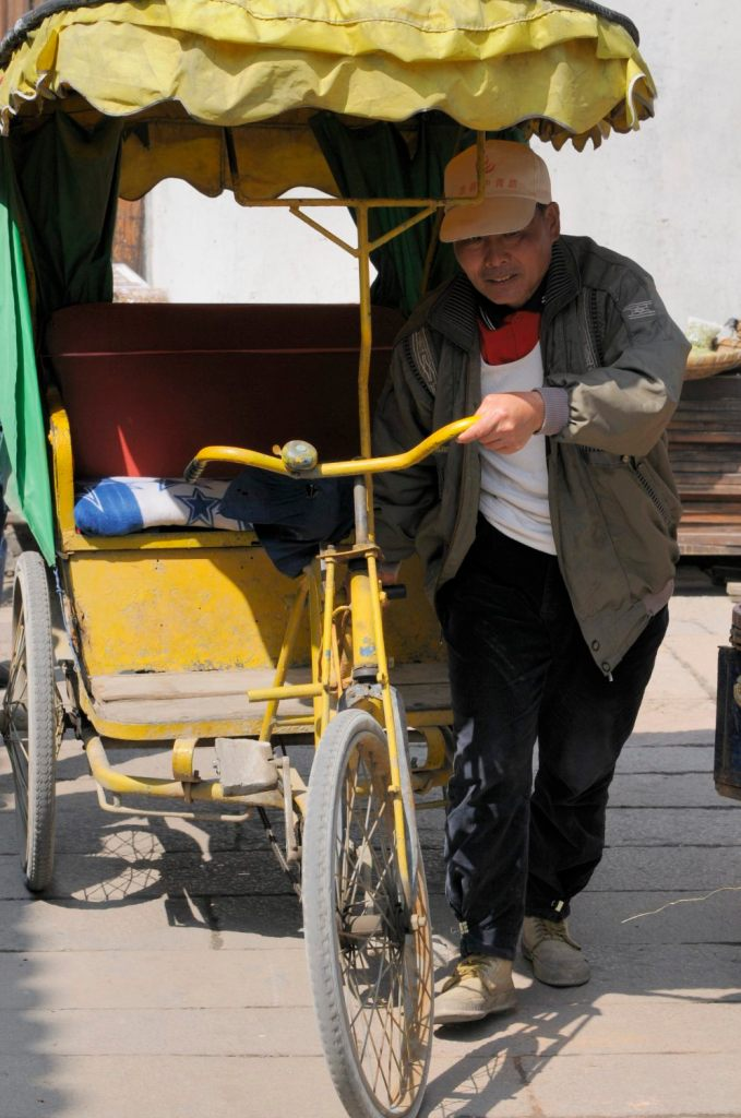 Laissez vous tenter par un cyclo-pousse de Xitang, Zhejiang, Chine