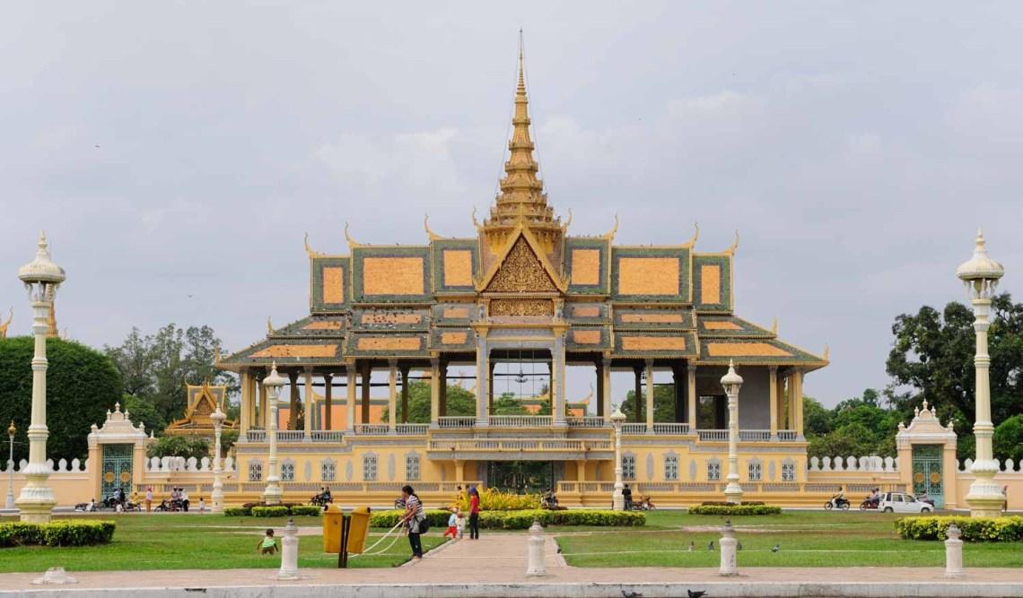 Preah Sisowath Quay, Phnom Penh, Cambodge : Les rives du Mékong