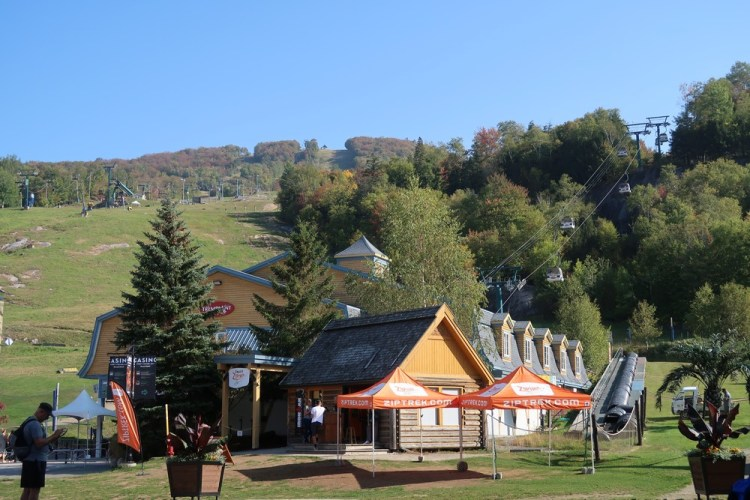 village mont tremblant station ski