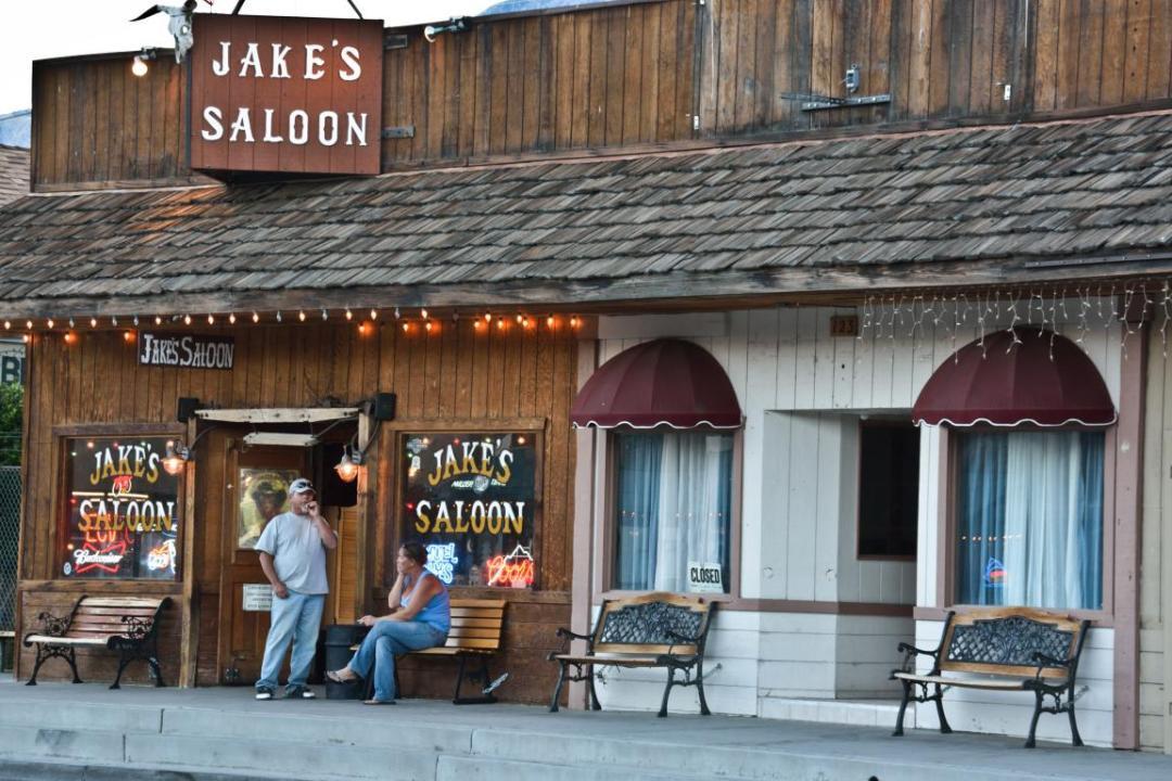 saloon ouest américain
