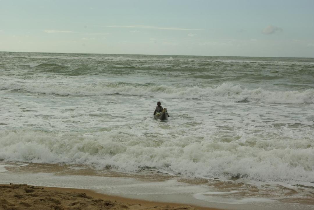pêcheur pirogue île de madagascar