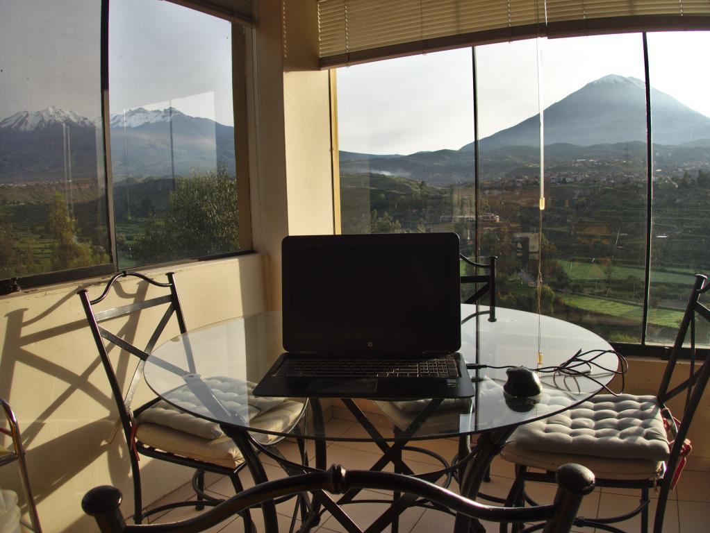 travailler à domicile avec une belle vue