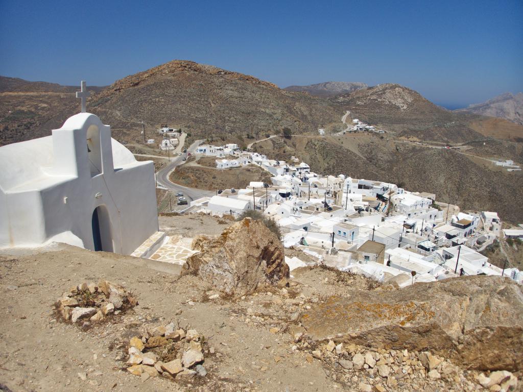 le village principal de l'île d'Anafi dans les Cyclades