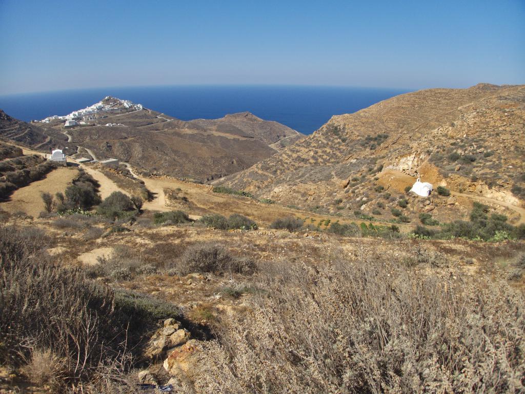 randonnée dans l'intérieur d'Anafi dans les Cyclades