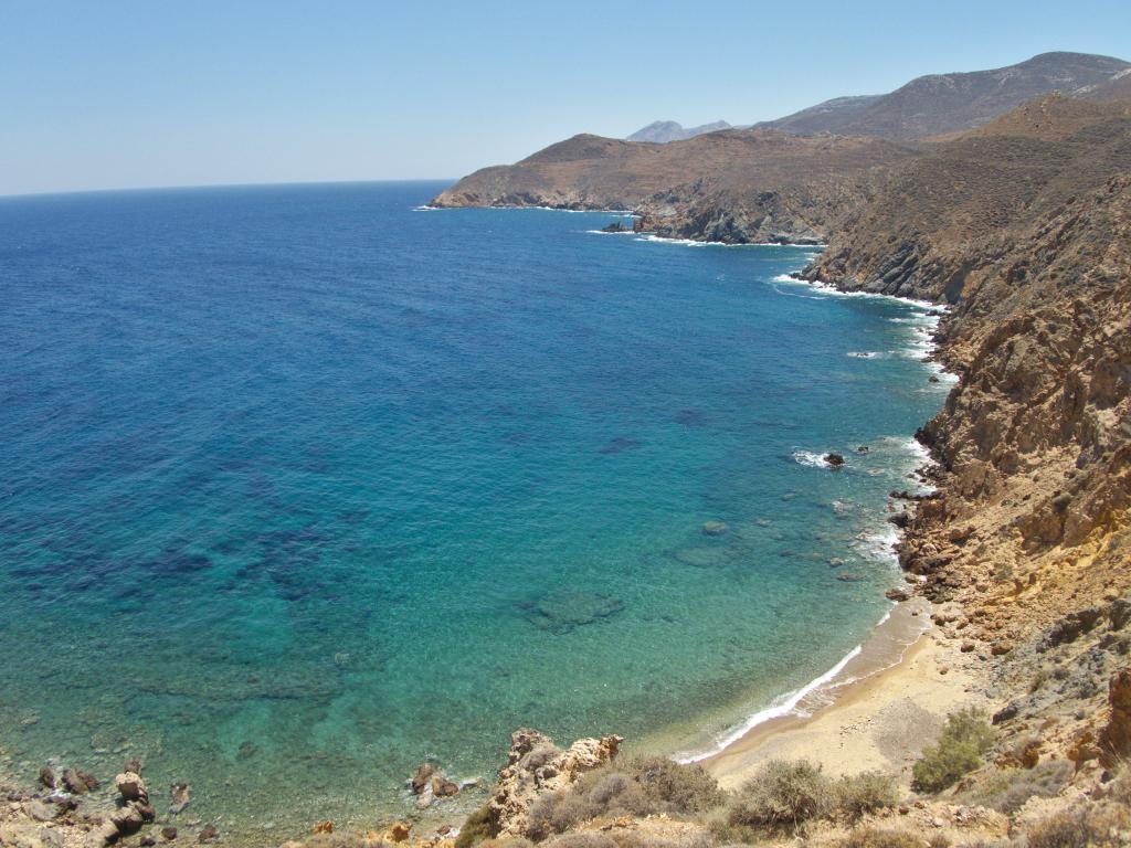 randonnée côtière anafi dans les cyclades