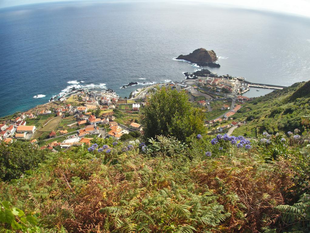 village de porto moniz vue d'en haut