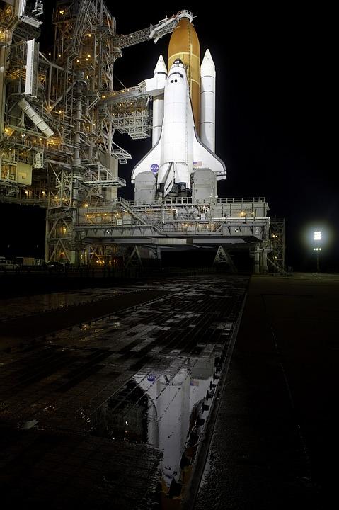 endeavor-space-shuttle-1771933_960_720.jpg