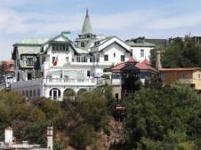 Una mansión de un inmigrante yugoslavo que se hizo de oro!
