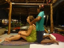 Massage thaïlandais au son des vagues...
