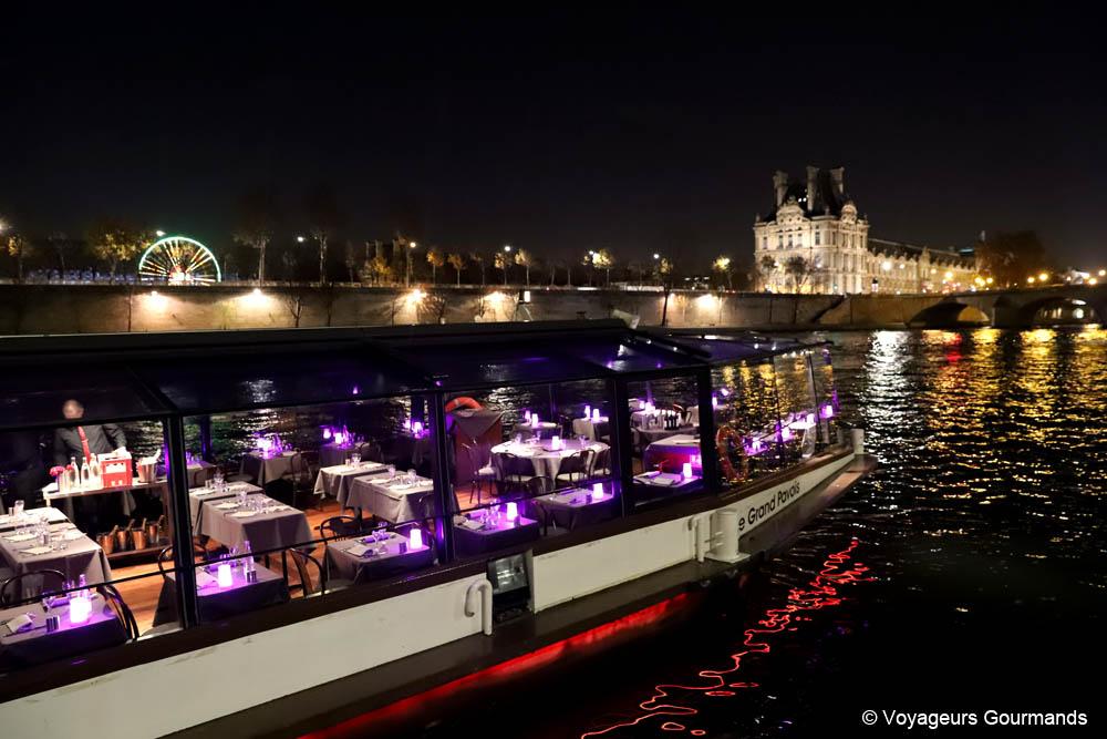 Dîner croisière sur la Seine en péniche panoramique | Blog Voyage