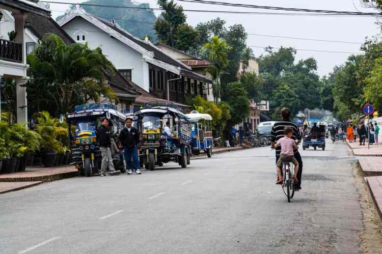 ballade en vélo à luang prabang