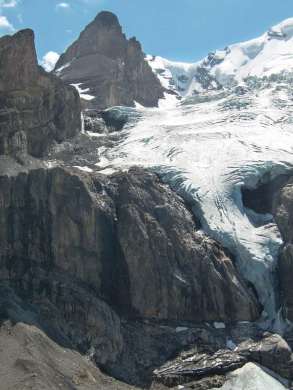 randonnée en Suisse langues glaciaires de Blüemlisalp