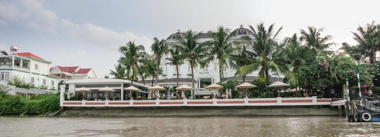 hotel saigon district 2