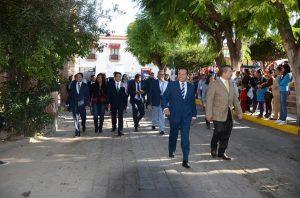 Alejandro Ochoa encabeza desfile conmemorativo en Colón
