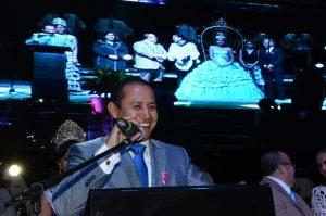 """""""Mantengámos vivas nuestras tradiciones"""": Alejandro Ochoa"""