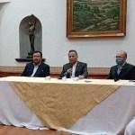 Se promueve Santiago Nieto con conferencia en San Juan del Río