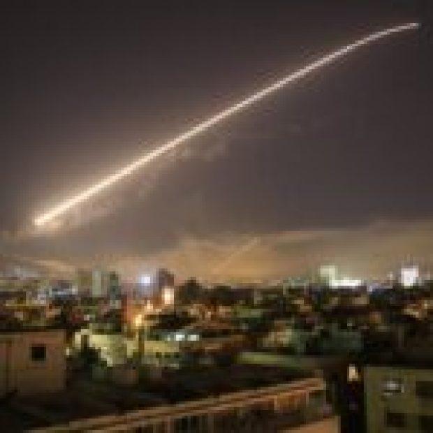 Ráfagas aéreas en Damasco, Siria