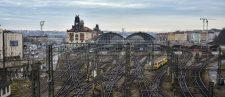 Železnice v propojené éře: slibný potenciál versus kybernetická rizika