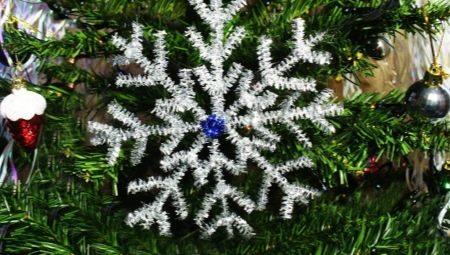 Jak udělat krásné sněhové vločky z drátu?