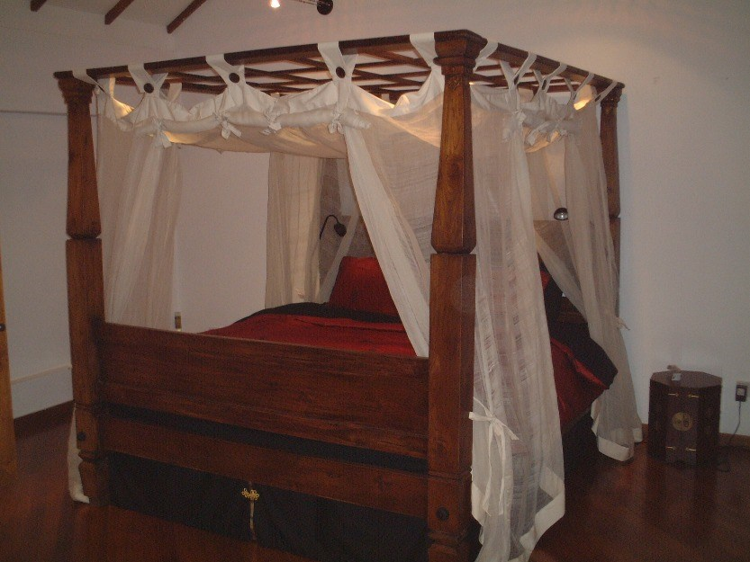 4 Poster Bed Frame For Sale