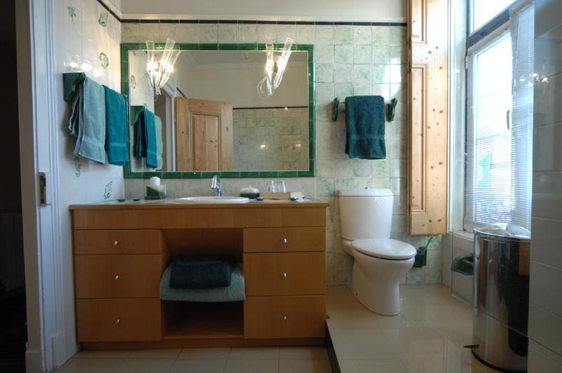Bathroom Closet Design Ideas