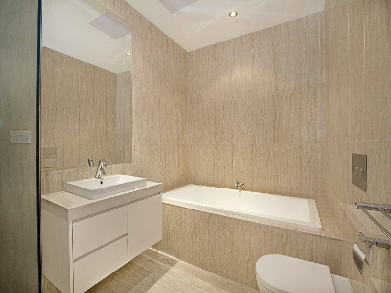 Bathroom Color Ideas With White Tile