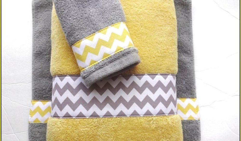 Bathroom Towel And Rug Ideas