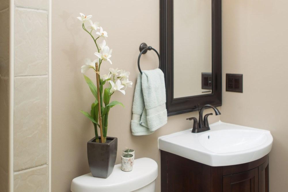 Bathroom Towel Folding Ideas