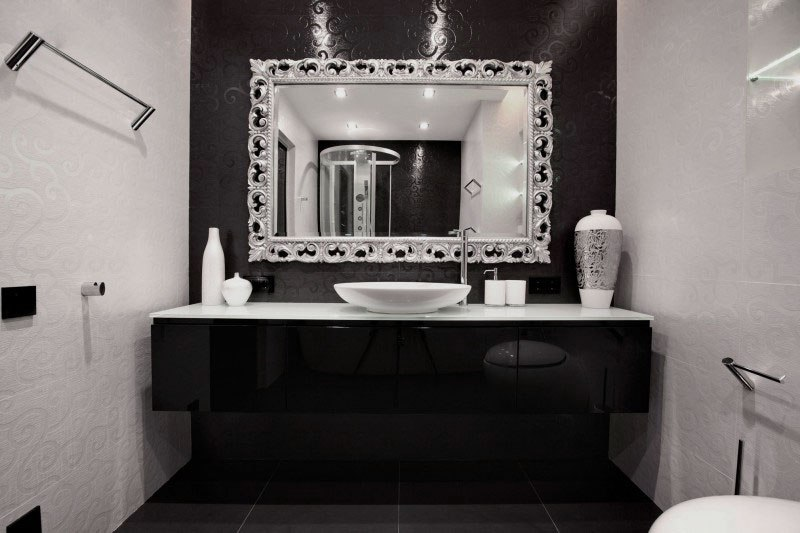 Black Bathroom Decorating Ideas