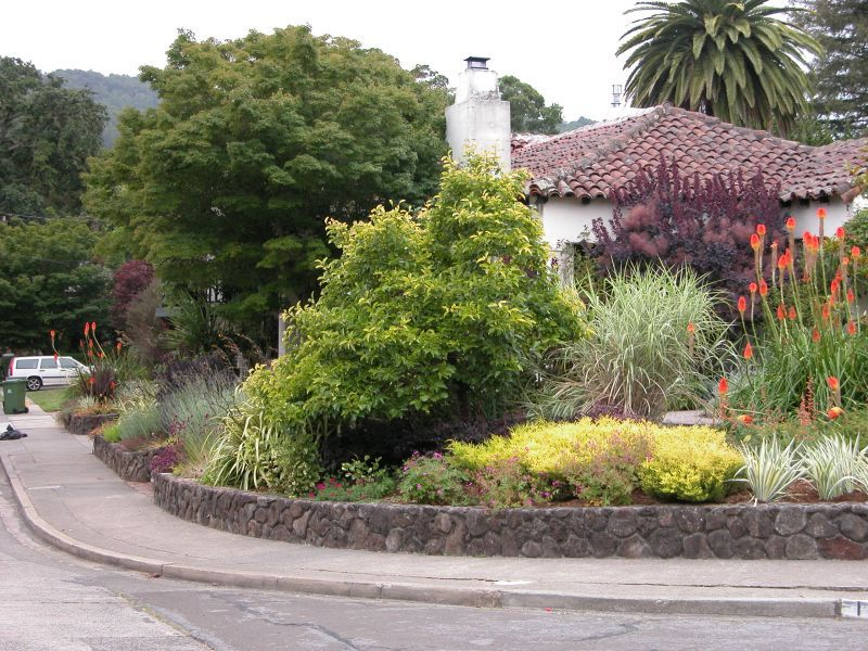 Corner Lot Landscaping Ideas Pictures