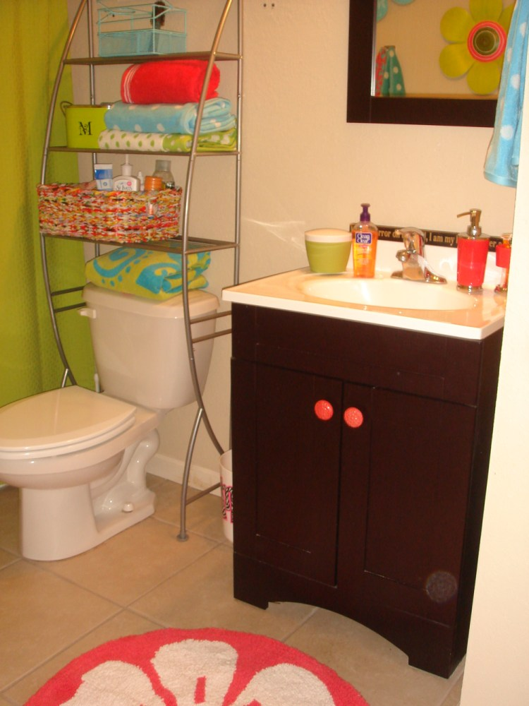 Cute Dorm Bathroom Ideas