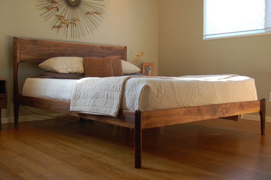Diy Rustic Wooden Bed Frame
