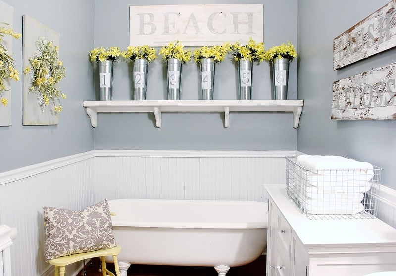 Farmhouse Bathroom Decorating Ideas