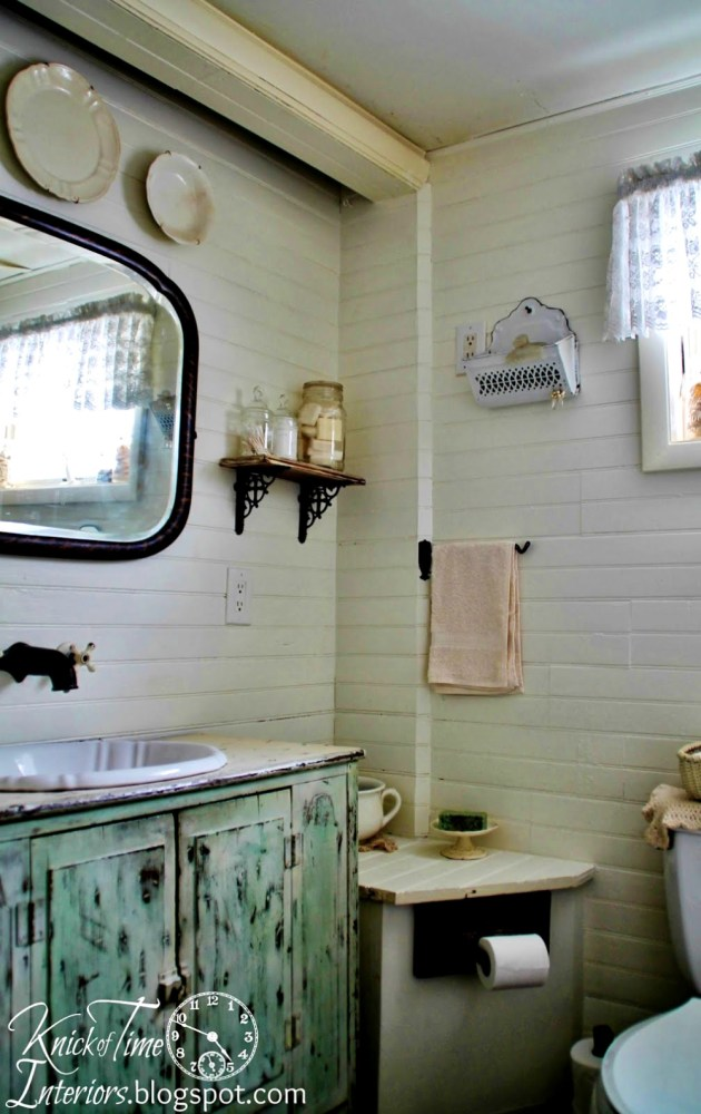 Farmhouse Bathroom Small