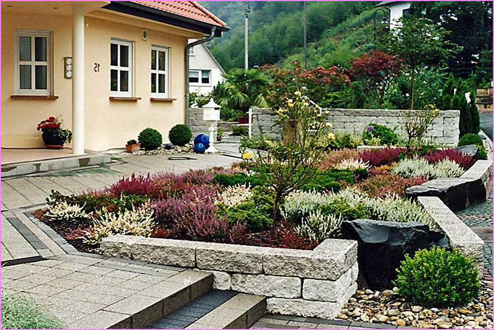 Front Of Small House Landscaping Ideas