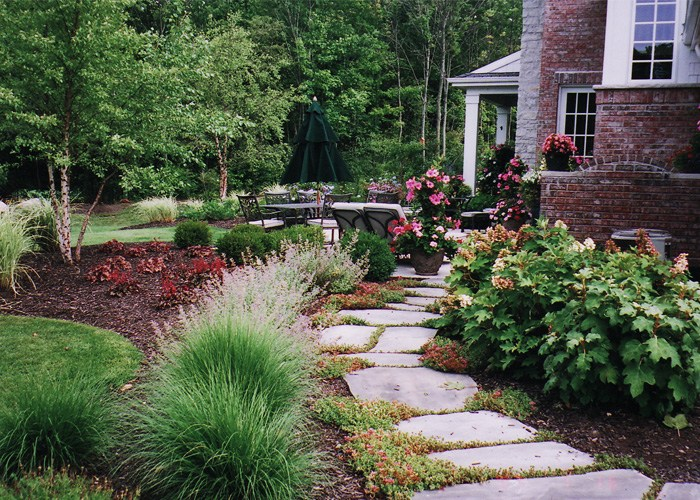 Front Walkway Landscaping Ideas