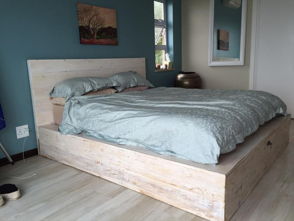 How To Make A Bed Frame With Pallets