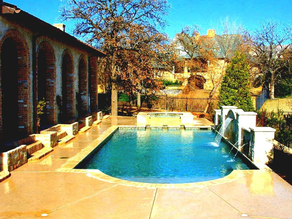 Ideas For Backyard Landscaping With A Pool