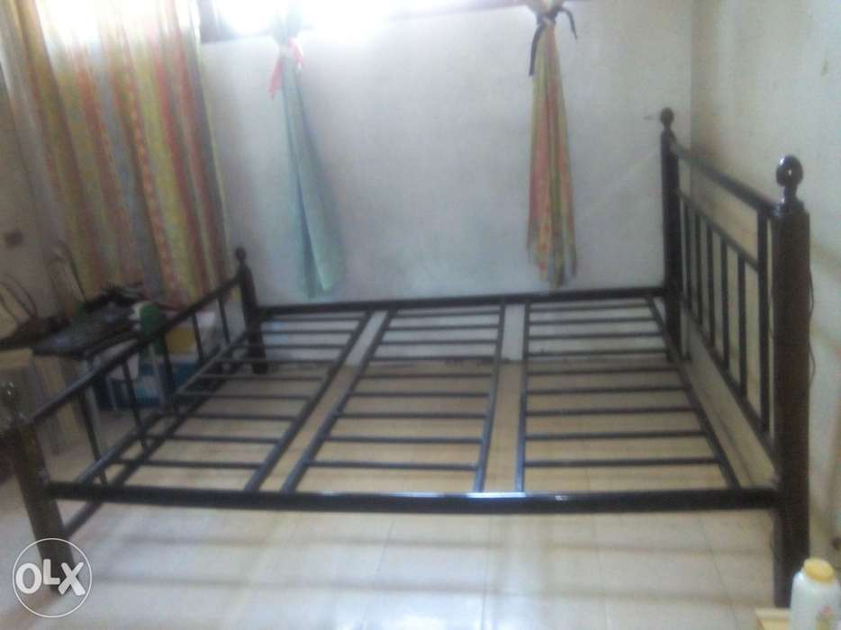 King Size Metal Bed Frame For Sale