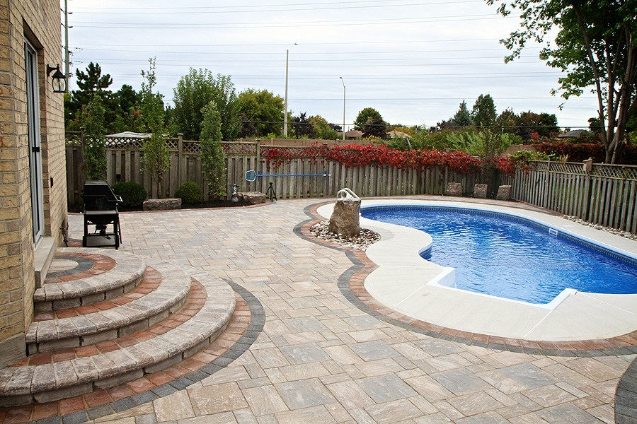 Landscaping Ideas Around Pool Fence