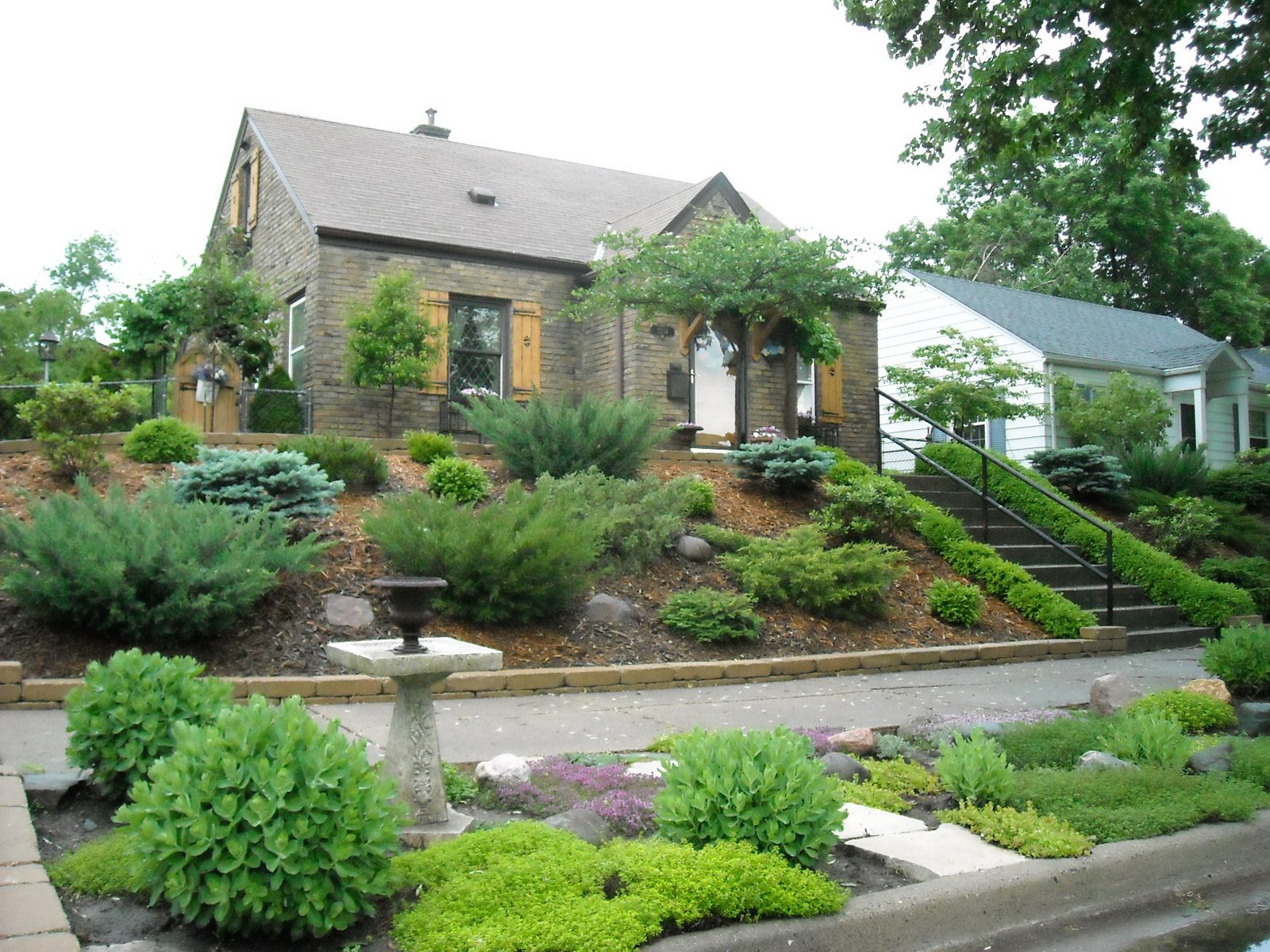 Landscaping Ideas For Front Yards On A Hill